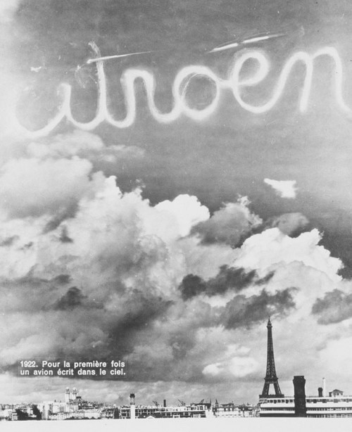 Citroën name in the sky