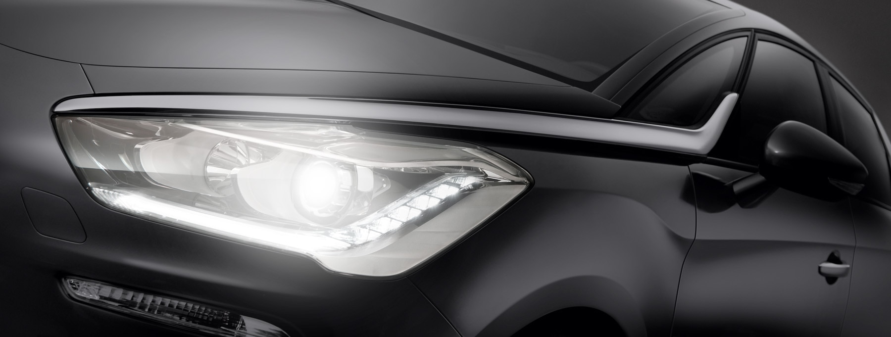 Safety - Automatic headlights